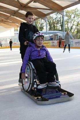 Gleiten auf dem Eis fühlt sich für Menschen im Rollstuhl ähnlich an wie fliegen