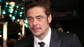 """In den Pinewood Studios in London haben am heutigen Montag die Dreharbeiten zur achten """"Star Wars""""-Folge begonnen - mit Benicio Del Toro."""