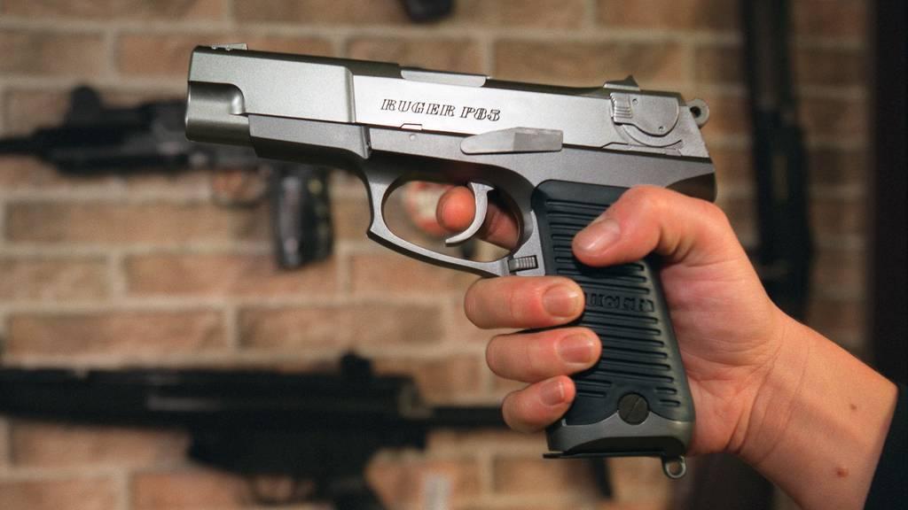 Mann sorgt mit «Pistole» für Angst und Schrecken