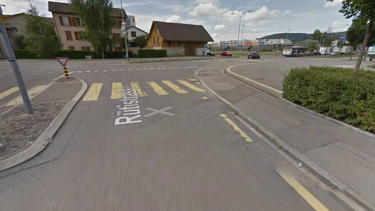 Der Unfall ereignete sich an der Kreuzung Engstringerstrasse/ Rütistrasse. (Bild: Google Maps)