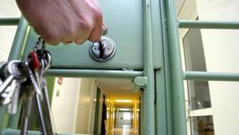 Gefängnistüre