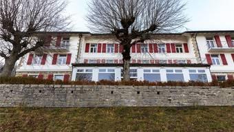 Das Kurhaus auf dem Balmberg ist eine temporäre Heimat für Asylsuchende. Seit der abgeschlossenen Sanierung hat das Haus Platz für bis zu 120 Menschen.