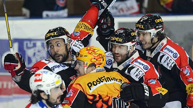 Die Fribourg feiern den Finaleinzug.