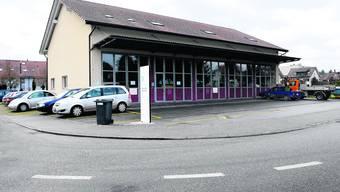 Feuerwehrmagazin Lindenpark in Utzenstorf: Dieses Gebäude wird den neuen Anforderungen nicht mehr gerecht. (Bild: Urs Lindt)