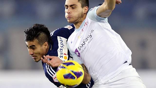 Teixeira (rechts, hier gegen Luzerns Lezcano) verpasst den Auftakt