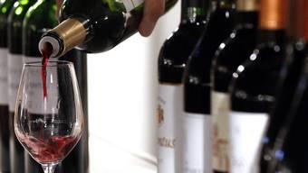 Ende Juni treten jeweils drei Baselbieter Weine in den Kategorien Pinot Noir, Riesling-Sylvaner, Rote Spezialitäten und Weisse Spezialitäten gegeneinander an. (Symbolbild)