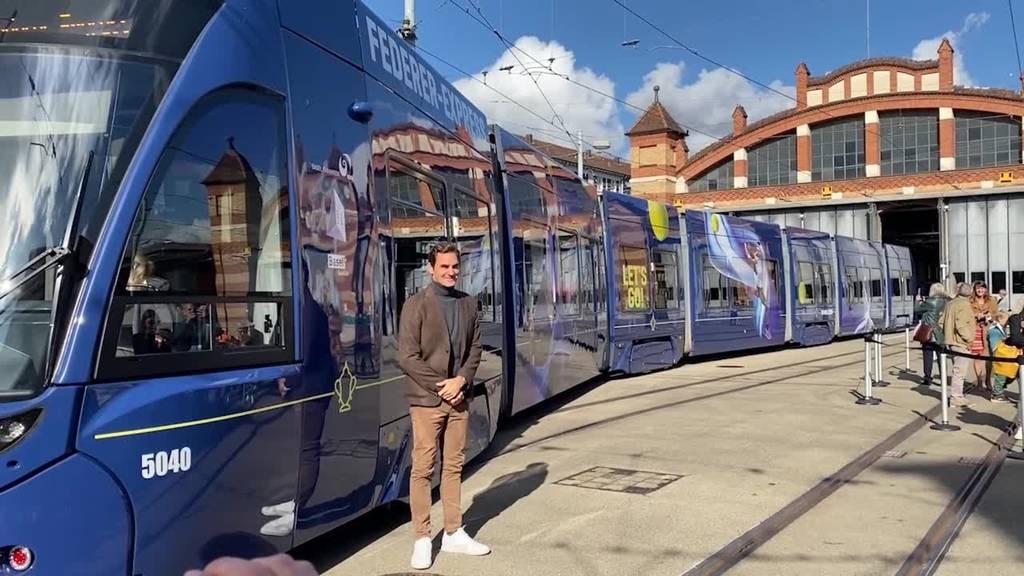 Roger Federer weiht in Basel eigenes «Drämmli» ein