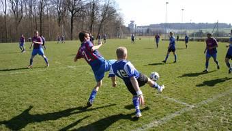 Der Sportplatz Hönggerberg bei einem Fussballspiel. (Archiv)