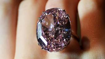 """Nahaufnahme des Millionen-Diamanten """"Pink Star"""" (Archiv)"""