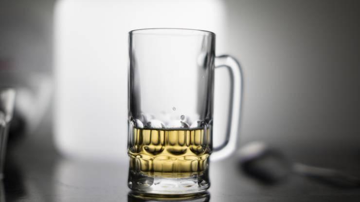 Astronauten sollen künftig ihr eigenes Bier brauen können. Ein Test-Experiment ist mit einem Raumfrachter unterwegs zur Weltraumstation ISS. (Symbolbild)