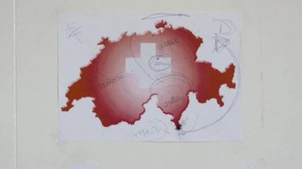 """Die Arbeit """"Schweizer Grenze, Chiasso 2015"""" aus der Serie """"How to Secure a Country"""" von Salvatore Vitale ist in der Fotostiftung Schweiz in Winterthur zu sehen. Die Schau dauert vom 23. Februar bis 26. Mai 2019."""