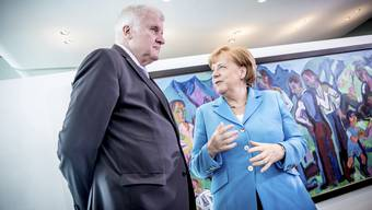 Kanzlerin Angela Merkel und Innenminister Horst Seehofer: Der Streit um die Flüchtlingspolitik zwischen den beiden spitzt sich immer weiter zu.
