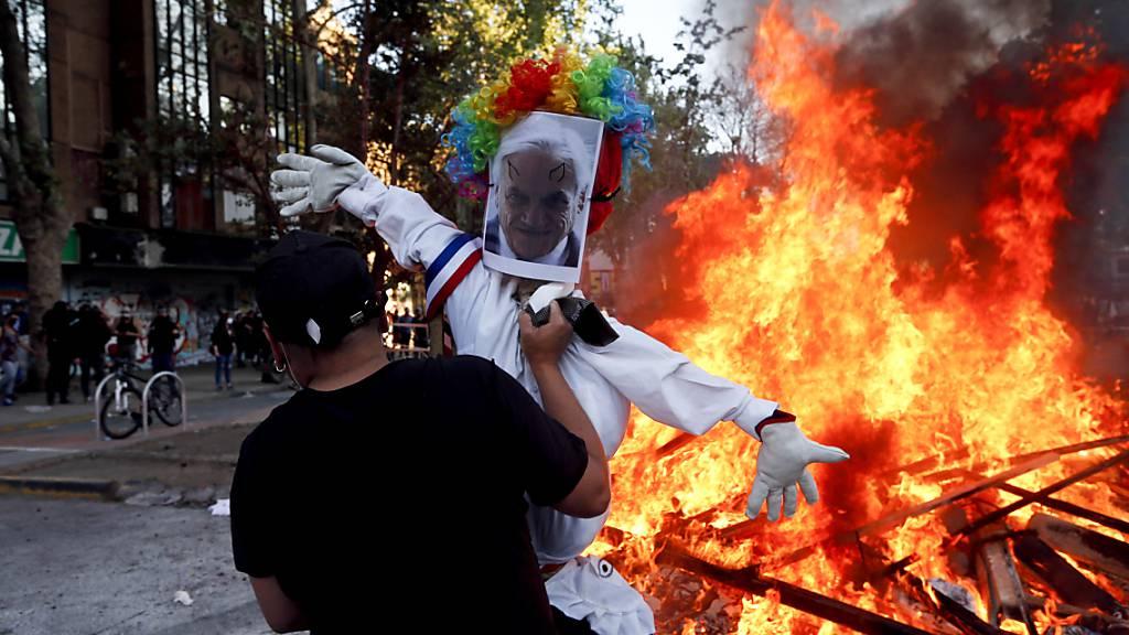Demonstrationen am Jahrestag der Anti-Regierungsproteste in Chile