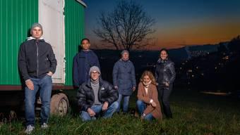 Weininger Jugendliche und der Elternverein spannen zusammen. Von links: Noah Magni, Nikesh Uruthirasingam, Timo Hänseler, Nicole Zollinger, Petra Düsel und Ursina Lüthi-Buchli.