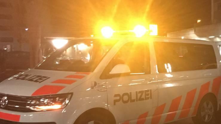 Ein Wagen der Kantonspolizei Zürich im Einsatz. (Symbolbild)