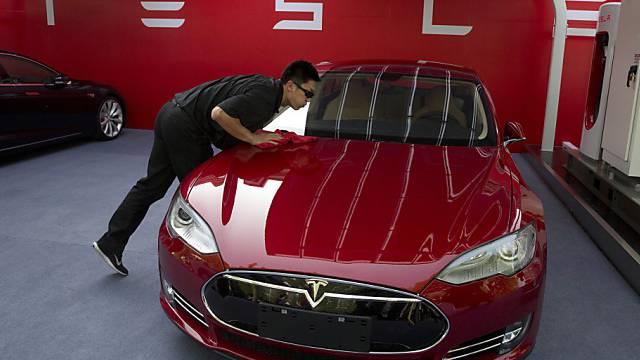 Ein Tweet reicht für einen Börsensprung bei Tesla (Archiv)