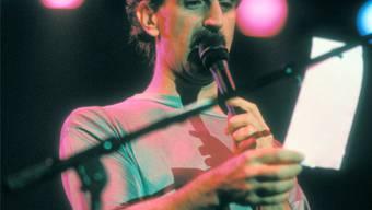 Er verwendete für seine Kompositionen Techniken, die an Dada erinnern: Frank Zappa.