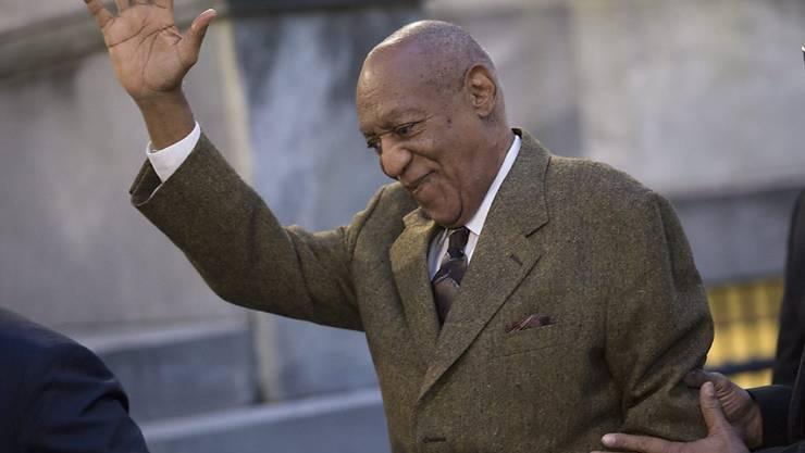 US-Komiker Bill Cosby verlässt das Gerichtsgebäude in Norristown, Pennsylvania, nach einer Anhörung in einem mutmasslichen Missbrauchsfall.