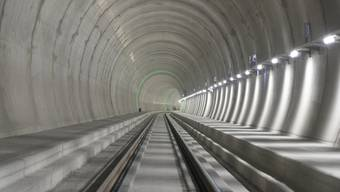 Schon weit fortgeschritten sind die Arbeiten in der Oströhre des Monte Ceneri-Basistunnels. Dank ihm und dem Gotthard-Basistunnel müssen Züge, welche die Schweiz in Nord-Süd-Richtung durchfahren, keine grösseren Steigungen mehr absolvieren.