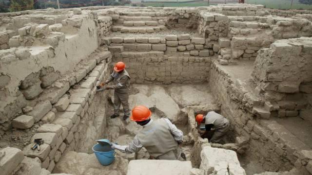 Arbeiten am Mausoleum
