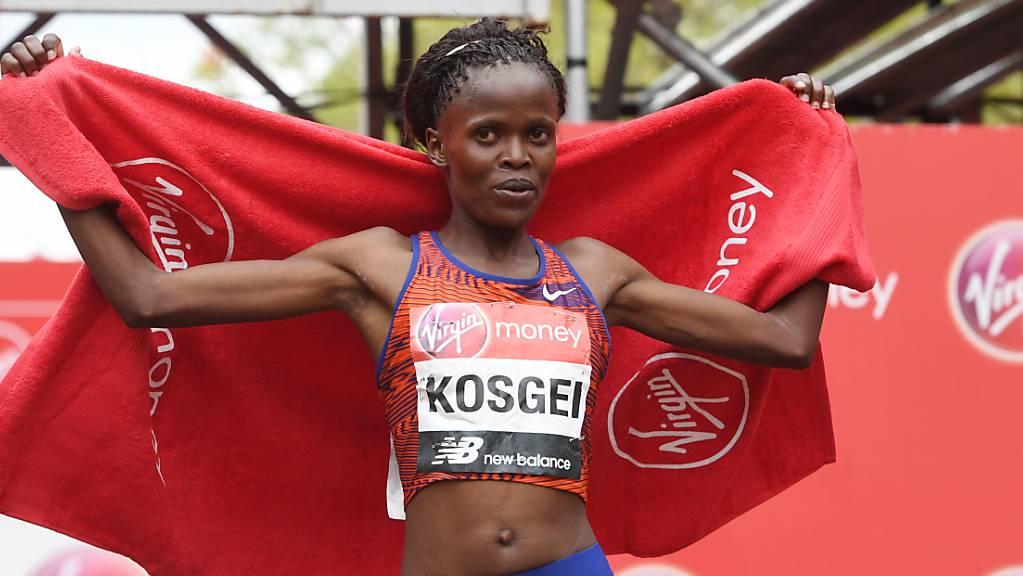 Erfolgreiches Jahr: Nachdem Brigid Kosgei bereits den London-Marathon gewonnen hatte, unterbot die Kenianerin nun in Chicago den Weltrekord um 1 Minute und 21 Sekunden