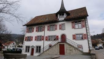 Seit diesem Jahr tagt der Weininger Gemeinderat im Schlössli. Nun stehen die Kandidaten für die Wahl im April fest.