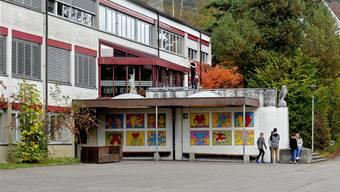 An der Sekundarschule Reigoldswil drücken die Erst- und Zweitklässler des Niveaus A gemeinsam die Schulbank.