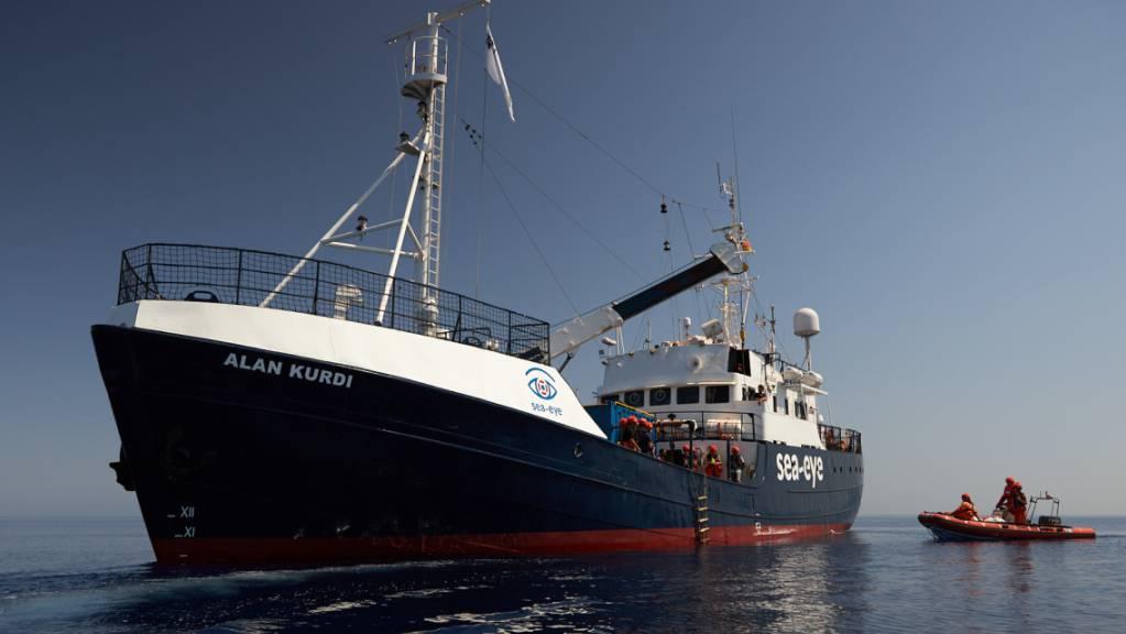 ARCHIV - Die «Alan Kurdi» hat 125 Bootsmigranten nach Sardinien gebracht. Foto: Fabian Heinz/Sea-Eye/dpa - ACHTUNG: Nur zur redaktionellen Verwendung und nur mit vollständiger Nennung des vorstehenden Credits
