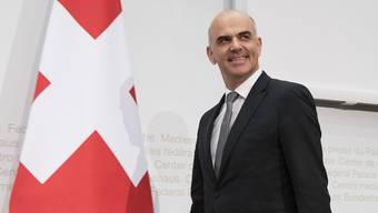 Sozialminister Alain Berset hat über die Vorschläge einer Expertengruppe diskutiert, aber noch keine konkreten Entscheide gefällt.