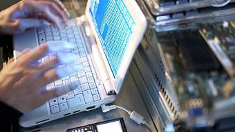 Hacker spionieren Regierungen und Organisationen aus (Symbolbild)