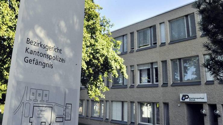 Wegen Brandstiftung muss der Asylbewerber aus dem Irak ins Gefängnis und danach die Schweiz verlassen.