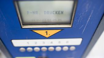 Der Gratis-Parkplatz kostet wieder: Ab dem 11. Mai nimmt die Stadtpolizei Zürich ihre normale Kontrolltätigkeit wieder auf. (Symbolbild)