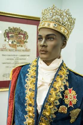 Ist das der amerikanische Adel? Königskostüm im Mardi Gras-Museum