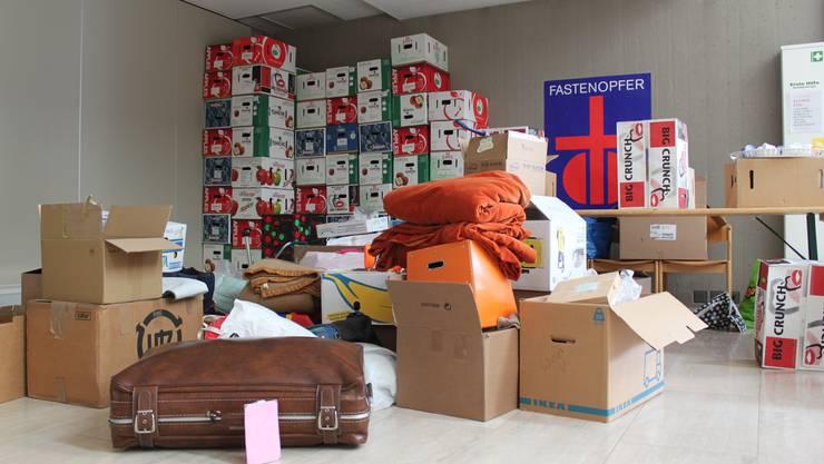 Bereits in den Tagen vor dem eigentlichen Spendetag kamen 280 Kisten zusammen.