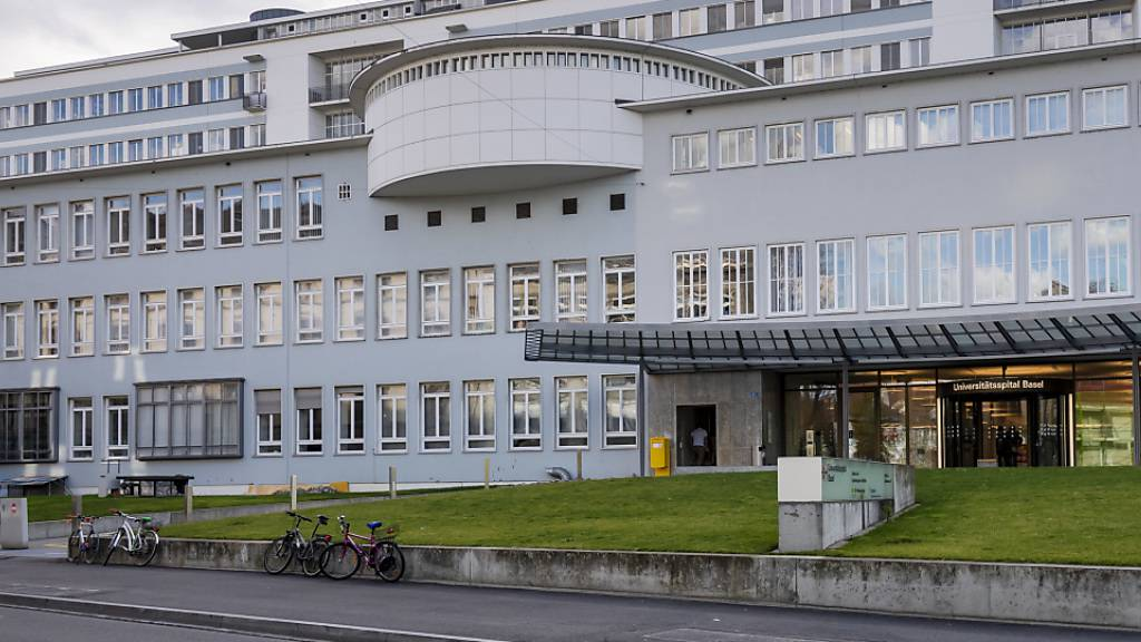 Eine Studie der Universität und des Universitätsspital Basel bestätigt die Wirkungslosigkeit von Lopinavir und Hydroxychloroquin  bei Covid-19-Behandlungen.