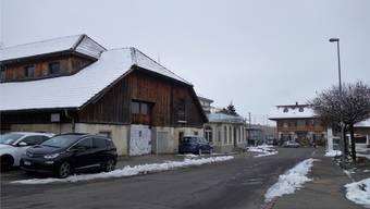 Beim Bahnhof (im Hintergrund) liegt das Gebiet Bahnhofpark (links). Es ist durch seine gute Erschliessung für eine bessere Nutzung prädestiniert.