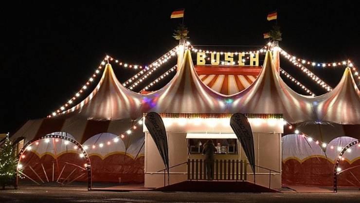 Bei einer Vorstellung im Remscheider Weihnachtscircus bei Köln (D) verunfallte am Sonntagabend eine Artistin schwer.