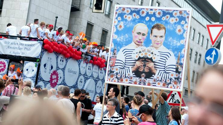 Farbenfroher Christopher Street Day 2012 in Berlin