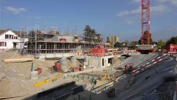 Wohnungen, Restaurant und Parkanlage werden hier gebaut.