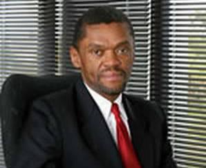 Anthony Mbewu verlässt Genfer Nichtregierungs-Organisation unter Misstönen.