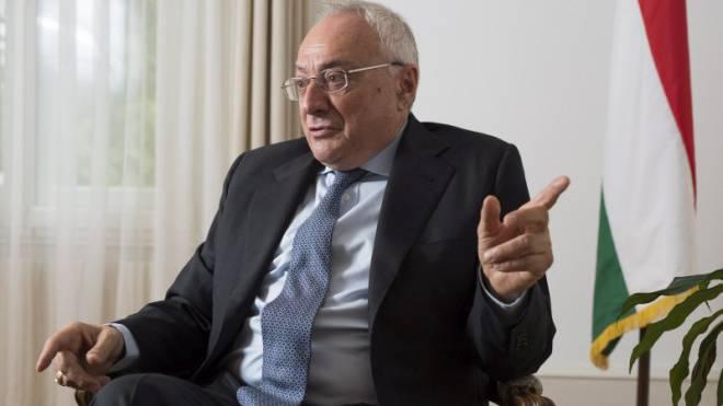 István Nagy (68) in der ungarischen Botschaft in Bern. Foto: Alex Spichale