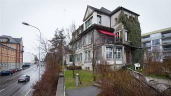 Die «Villa Fischer» an der Bahnhofstrasse sorgte in der Vergangenheit für rote Köpfe. Pascal Meier/Archiv