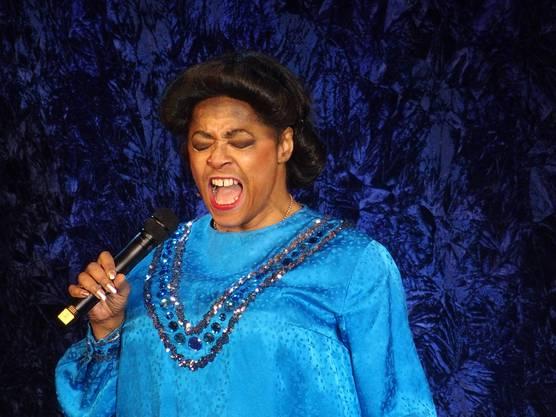 Joan Orleans als Mahalia Jackson im Kurtheater Baden (Bild ub)  6