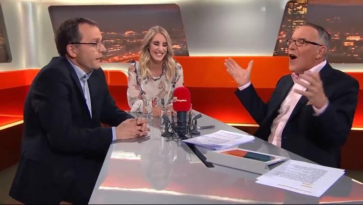 «Ja nei!»: Moderator Markus Gilli (rechts) verwirft die Hände ob der Argumente von Ruedi Hadorn (links).