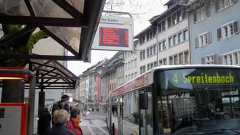 Darf nicht vergessen werden: Viele Fahrgäste steigen an der Haltestelle Weite Gasse in den Bus ein. (Bild: wal)