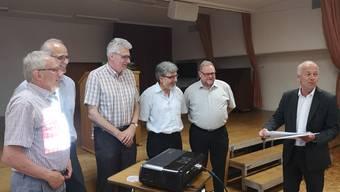 Verabschiedet: von links Hugo Kissling, Christoph Kunz, Daniel Thommen, Markus von Arx und Karl Tanner; rechts Martin Wey.