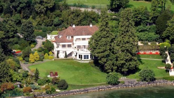 Die «Villa Rose» im luzernischen Steuerparadies Meggen. Foto: Reportair Niklaus Wächter