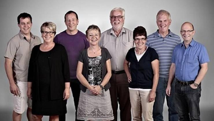 Der derzeitige Gemeinderat, bestehend aus Christian Erzer, Gabriella Meili (Gemeindeschreiberin), Hardy Jäggi, Brigitte Knuchel, Peter Wüthrich, Maria Rothenbühler, Daniel Murer, Peter Christen (von links).