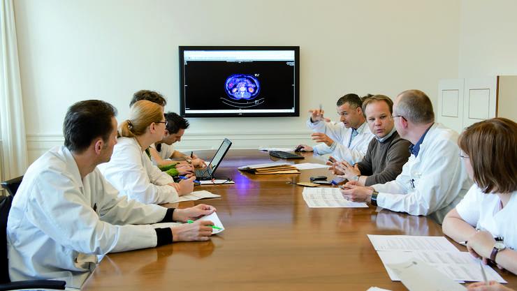 Am Tumorboard wird jeder Krebsfall im Team besprochen und dann der Behandlungsplan im Detail festgelegt.