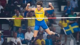 Armand Duplantis, im Bild an der WM in Doha, ist der neue Weltrekordhalter im Stabhochsprung
